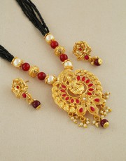 Buy Short Mangalsutra Design at an Affordable Price.